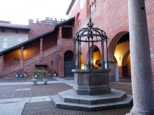 Nel palazzo comunale.