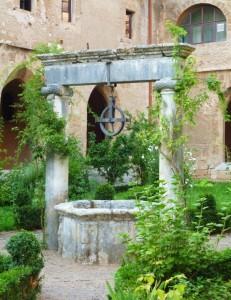 Nel secondo chiostro del Monastero di Santa Scolastica