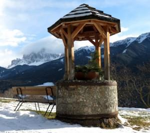 Il pozzo e le montagne