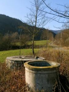 Pozzo con vasca per il verderame