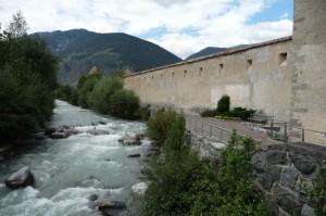 Tra il fiume e le mura