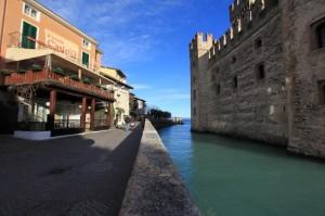 lungo il castello