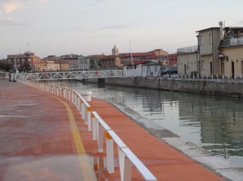 Senigallia - lungo il porto canale