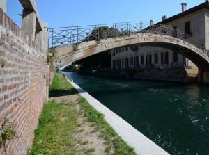 Passeggiando sotto il ponte