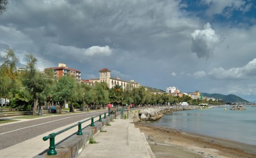 Salerno - Cieli minacciosi in un tranquillo pomeriggio di settembre