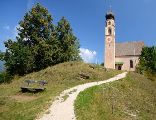 Fiè allo Sciliar - presso la Chiesa di San Constantino
