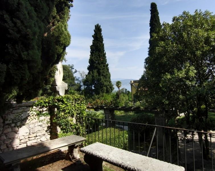 ''Verso il giardino'' - Gardone Riviera