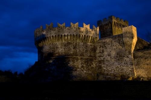 Piombino - Castello in blu