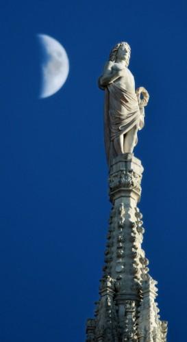 Milano - Tintarella di luna