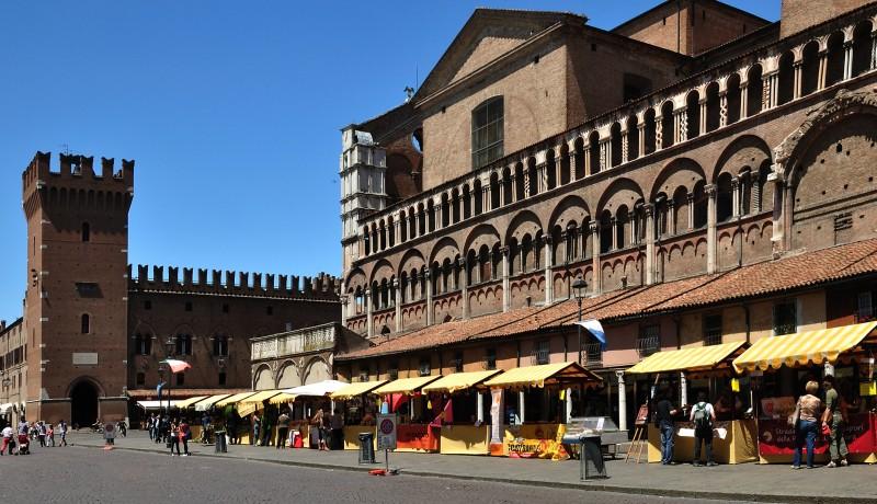 ''Bancarelle gialle'' - Ferrara