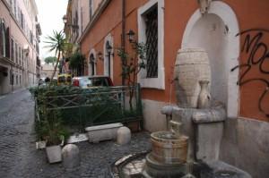 Scorcio su un vicolo di trastevere Roma