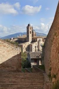 Uno dei tanti scorci rossi di Urbino…