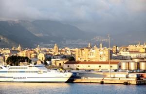 """""""Isola di Vulcano"""" in porto a Palermo"""