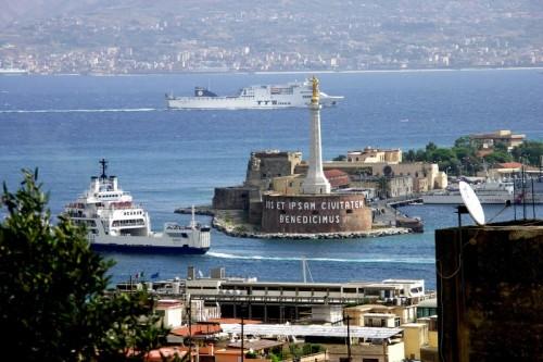 Messina - Uno sguardo sul porto