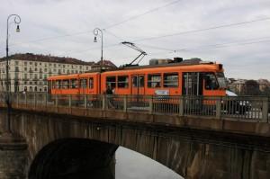 Tram sul Ponte Vittorio Emanuele