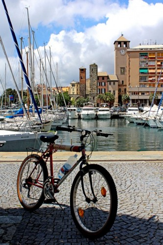 Savona - Un parcheggio al mare.