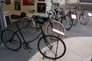 Mostra di biciclette in Piazza dei Giudici
