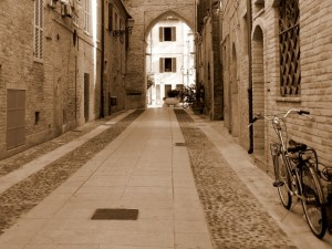 Nelle strade del borgo antico