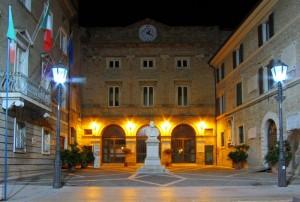 Il generale in piazza a Loreto