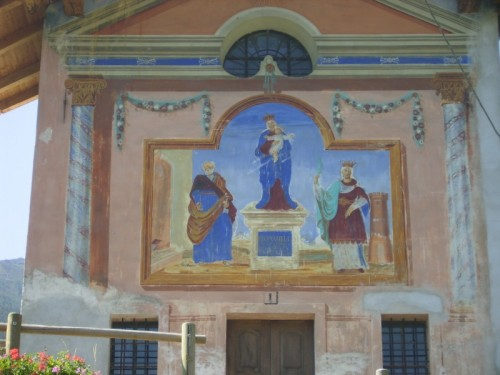 Arvier - una chiesetta in campagna