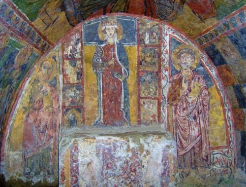 Melfi - Altare della chiesa rupestre di Santa Margherita in Melfi