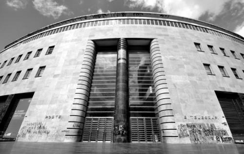 Napoli - Il Palazzo delle Poste nella sua parte centrale