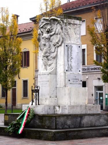 Casalpusterlengo - Monumento ai Caduti