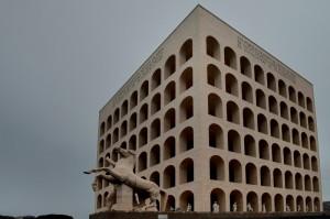 """Palazzo della Civiltà e del Lavoro detto """"Er Groviera"""""""