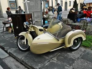 Sidecar in Piazza San Francesco