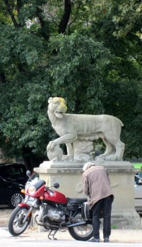 Firenze - Parcheggio custodito !