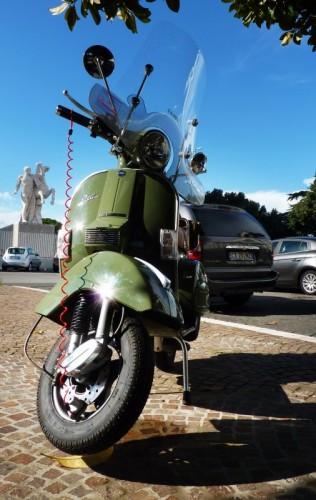 Roma - Vespa verde