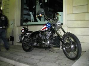 Un americano in vetrina