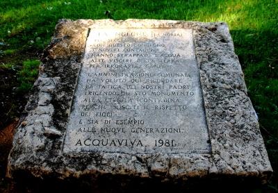Monumento a ricordo della la noria guida acquaviva for Monolocale arredato acquaviva delle fonti