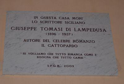 Lapide a giuseppe tomasi di lampedusa guida roma wiki for Scrittore di lampedusa